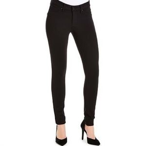 ✨Jessica Simpson Kiss Me Jegging